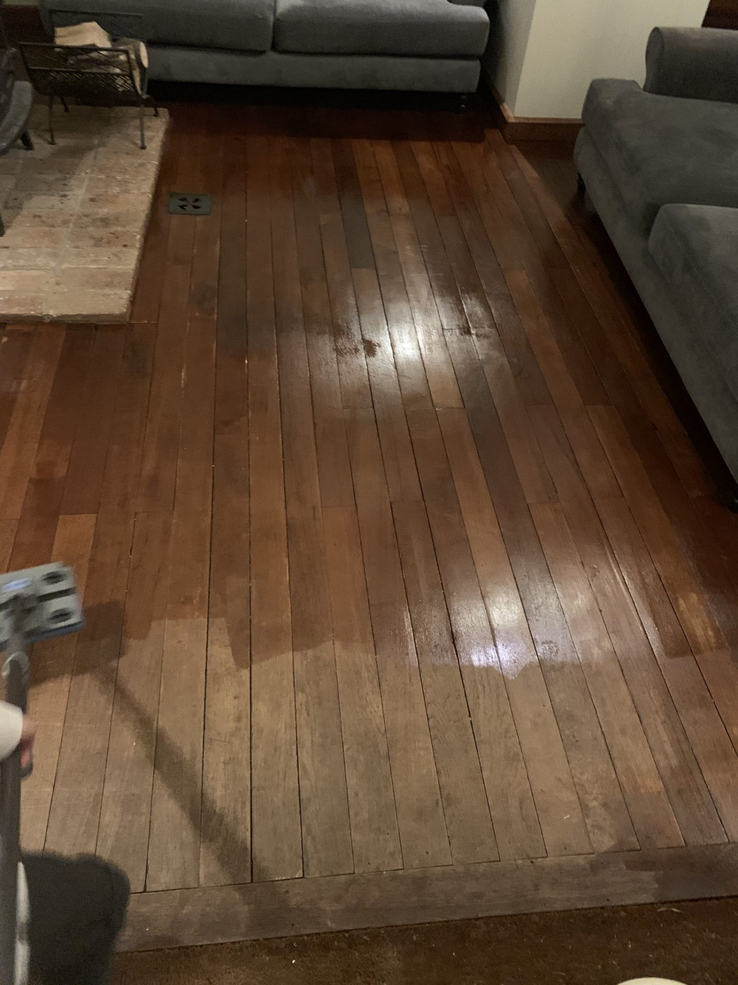 oiled floor; mop; wooden floor